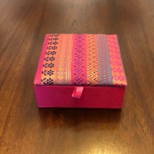 Other - 🐠 Pick 1 for free 🐠 Pink Fabric Jewelry Box